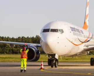 LIEPĀJAS LIDOSTA APKALPO BOEING 737-800